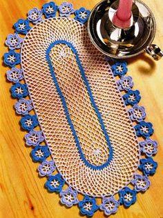 Edivana Croche: Lindo Naperon com Flores Azuis