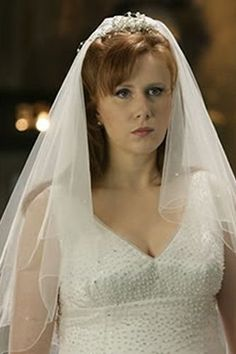 Doctor Who costume idea: Donna Noble in the Runaway Bride episode ...