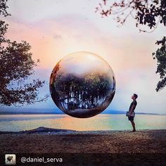 """#magical .... Repost @daniel_serva  [ 194/365 ] """"In nature I can find myself"""" Hiii guys! I'm finally here again. I've missed you . Been in nature is one of my favorite things in the world. Everything around us is a reflection of who we are. How's your reflection? - I did this photo using a little metalic ball as a reference for the light and reflection . Have an awesome night  ------------------------- """"En la naturaleza me encuentro a mi mismo"""" Holaaaa!  Al fin por acá de nuevo. Los extrañé…"""