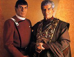 Spock (Leonard Nimoy) and his father, Sarek (Mark Lenard) - Star Trek VI: The Undiscovered Country Star Trek Vi, Film Star Trek, Star Trek Spock, Star Trek Movies, Star Wars, Herbert Lom, Star Trek Images, Sci Fi Shows, Star Trek Original