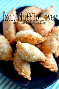 Malaysian Dessert, Malaysian Food, Indian Food Recipes, Asian Recipes, Curry Puff Recipe, Bread Bun, Curry Recipes, Freezer Meals, Food And Drink