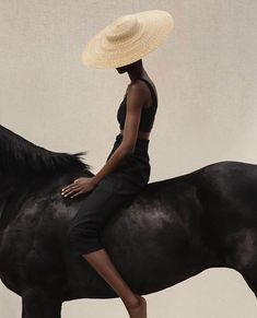 Celebrating rather than concealing the signs of life; caring about those no one else seems to think about. Black Photography, Horse Photography, Editorial Photography, Fashion Photography, Equestrian Chic, Horse Fashion, Parisian Chic, Horse Girl, Fashion Killa