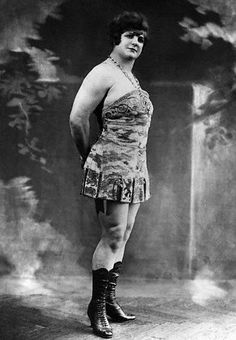 The strongest woman in the world, Katie Sandwina, held Katie held the female weightlifting record for over 75 years, with an overlift of 286 pounds circa 1911.