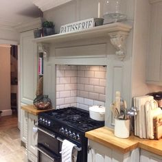 That's me done for another Sunday , little trip over to Neptune in Chichester followed by coffee and cake today now ready for big brother . Enjoy your evening all of you instagram lovelies #moderncountry #kitcheninspo #rusticchic #neptune #bigbrother #corbels #kitchendesign