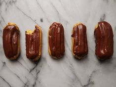 Eclairs Crisp choux pastry, vanilla-scented pastry cream, and a rich chocolate icing make up these classics. Best Chocolate Desserts, Köstliche Desserts, Delicious Desserts, Chocolate Icing, Chocolate Eclairs, Individual Desserts, Chocolate Cookies, Profiteroles, Classic French Desserts