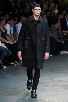 Givenchy-2015-Men-Spring-Summer-Paris-Fashion-Week-028
