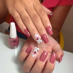 Pink Glitter Nails, Fancy Nails, Cute Nails, Pretty Nails, Gel Acrylic Nails, Dry Nails, Acrylic Nail Designs, Tulip Nails, Cute Spring Nails