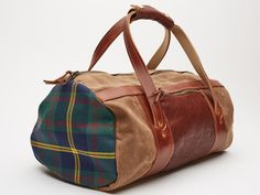 Duffle Bag leather Canvas Daily Duffle Bag // Brown Waxed Canvas and Tartan Mens Duffle bag Golf Gifts For Men, Needlepoint Belts, Golf Accessories, Waxed Canvas, Duffel Bag, Timeless Design, Tartan, Leather Bag, Pouch