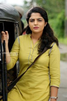 Check Out South Indian Actress Nikhila Vimal Latest Hot Photos Including Hottest Spicy HD Navel Pics of Nikhila Vimal Beautiful Girl Indian, Beautiful Indian Actress, Beautiful Actresses, Beautiful Women, Cute Beauty, Beauty Full Girl, Beauty Women, Indian Actress Hot Pics, South Indian Actress