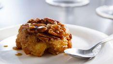 Pouding au pain renversé au caramel et aux pacanes - Recettes de cuisine, trucs et conseils - Canal Vie