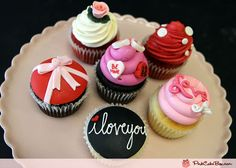 #valentinesday #cupcakes --- the i love you one is my fav {pinkcakebox}
