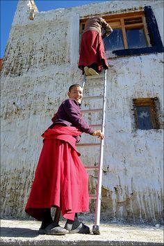 Preparing for the Dalaï Lama . Kashmir