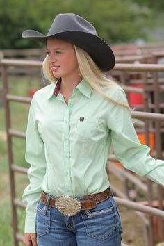 Be a trendsetter when you wear this women's shirt by Cinch. Featuring long sleeves, plain weave cotton, contrasting trim, button front with logo buttons and front pocket with embroidered logo. Cowgirl Outfits, Western Outfits, Western Wear, Rodeo Shirts, Western Shirts, Western Apparel, Cow Girl, Estilo Cowgirl, Farm Clothes