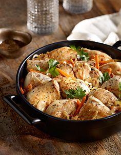 Piersi z kurczaka duszone z kapustą i jabłkami #lidl #przepis #kurczak Polish Recipes, Kung Pao Chicken, Thai Red Curry, Recipies, Dinner Recipes, Food And Drink, Healthy Eating, Menu, Salad