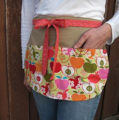 Modern Apples Teacher Apron in Bamboo for the by Foodphyte on Etsy, $24.25