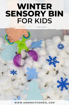 This winter sensory bin is ridiculously easy to set up and is the perfect sensory play activity for infants, toddlers, preschoolers, and kindergarten kids to work on fine motor skills. Seriously, the kids will love this winter themed sensory bin! No real snow required and you'll love how easy it is to set up. #sensorybin #sensorybins #wintersensorybin #sensoryplay #sensoryactivities