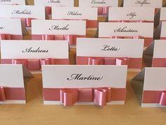Flotte bordkort ferdige til en liten jente sin dåp. #dåp #dåpsbarn #dåpsbarnet #bordkort #dåpen #barnedåp #barsel #barselpermisjon #nyfødt #barselvarsel #barselliv #baby #gutt #jente #bryllup #bryllup2017 #brud #brud2017 #forlovet #vielse #bryllupsplanlegging #bryllupsdesigner #bryllupsmesse #bryllupstrykksaker #dittbryllup #mittbryllup #bryllupsinvitasjoner #bryllupsinspiration #bryllupsgjester #bryllupsdesigner