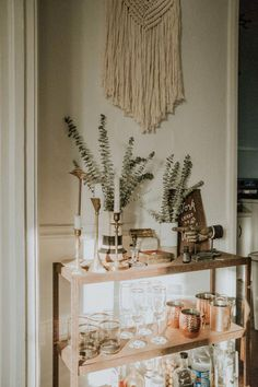 """Visit our internet site for even more information on """"bar cart decor inspiration"""". It is actually an excellent area to learn more. Diy Bar Cart, Gold Bar Cart, Bar Cart Styling, Bar Cart Decor, Bar Carts, Bar Trolley, Bar Design, House Design, Design Ideas"""