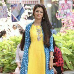 Pakistani Dresses, Indian Dresses, Anarkali Kurti, Sarees, Ethinic Wear, Sriti Jha, Ikkat Dresses, Classy Suits, Kurta With Pants