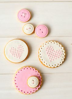 Button cookies~ By misspetel, pink, ivory, round, heart Sweet Cookies, Cake Mix Cookies, Iced Cookies, Biscuit Cookies, Cute Cookies, Cookie Desserts, Cake Pops, Button Cookies, Cupcakes Decorados
