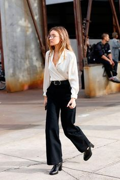 40 Fall Street Style Outfits to Inspire Street Style Outfits, Looks Street Style, Autumn Street Style, Mode Outfits, Fashion Outfits, Womens Fashion, Woman Outfits, Workwear Fashion, Fashion Pants