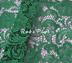 Grüne Spitze Stoff  lila Spitze Stoff-dunkles Cyan von RobePlus