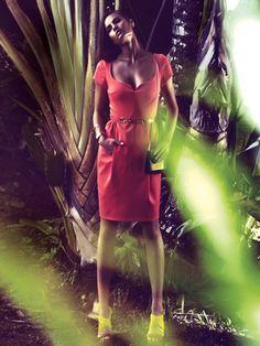 Burda: Kleid mit Tulpenrock und Herzausschnitt
