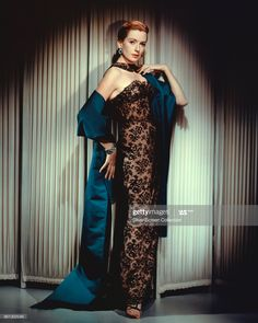 Hollywood Icons, Golden Age Of Hollywood, Old Hollywood, Hollywood Actresses, Deborah Kerr, The Sweetest Thing Movie, Silk Gown, Lace Dress Black, Studio Portraits