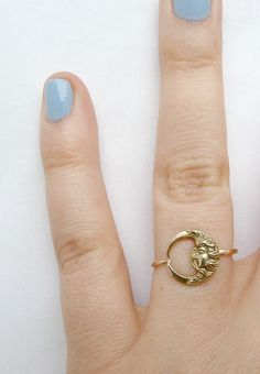 Such a simple and beautiful moon ring.