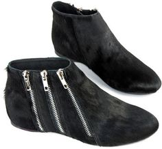 #chicnova                 #Clothing                 #Black #Leather #Ankle #Boots #with #Detail         Black Leather Ankle Boots with Zip Detail                                     http://www.seapai.com/product.aspx?PID=4844644