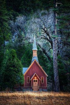 Iglesia en las praderas de Montana.