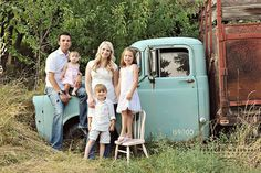 Family shot in front of an old truck. Clothes are simple and let color of truck stand out. Xmas Family Photo Ideas, Summer Family Photos, Fall Family Pictures, Family Picture Outfits, Family Photo Sessions, Family Posing, Family Pics, Mini Sessions, Family Portraits