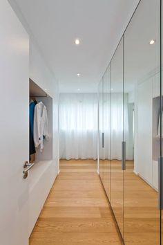 Home Staging, Floor To Ceiling Wardrobes, Mirrored Wardrobe Doors, Flur Design, Wardrobe Door Designs, Hallway Designs, Living Room Sofa Design, Multipurpose Room, Master Room