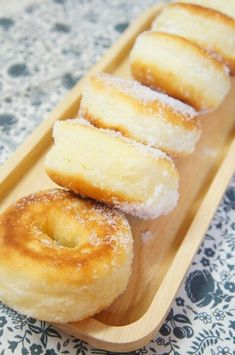 A donut that melts in a frying pan and melts - 料理 - Bento Ideas Cafe Food, Food Menu, Sweets Recipes, Baking Recipes, Beignets, Homemade Sweets, Desert Recipes, Easy Cooking, Sushi