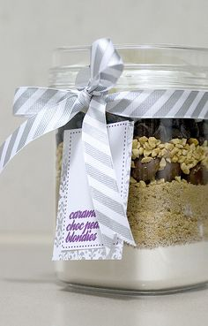 cookie in a jar gift idea.