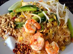 Woon sen pad Thai is a signature stir fried noodles using bean thread noodles. This classic recipe features the harmony of sweet, tangy, salty and spicy flavors