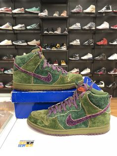62ac107b14b7b2 VNDS Nike Dunk SB High Skunk 420