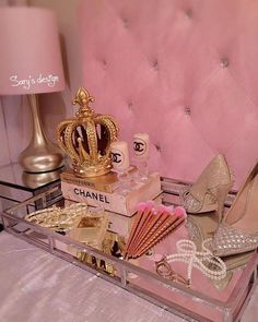 Ideas Makeup Room Wallpaper Vanities For 2019 Boujee Aesthetic, Bad Girl Aesthetic, Aesthetic Collage, Aesthetic Rings, Cream Aesthetic, Makeup Aesthetic, Aesthetic Vintage, Bedroom Wall Collage, Photo Wall Collage