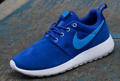 Sneakers – Women's Fashion :    Nike Roshe Run GS | July 2013 Preview  - #Sneakers https://youfashion.net/fashion/sneakers/sneakers-womens-fashion-nike-roshe-run-gs-july-2013-preview-3/