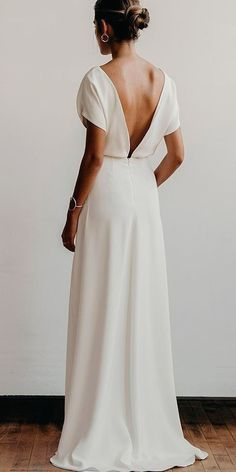 White wedding dress. Brides think of finding the most suitable wedding ceremony, however for this they need the most perfect bridal dress, with the bridesmaid's dresses enhancing the brides-to-be dress. The following are a few ideas on wedding dresses.