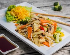 Japchae, Vienna, Thai Red Curry, Ethnic Recipes, Food, Meal, Essen, Hoods, Meals