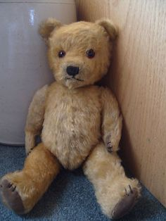 vintage mohair teddy bear straw filled -- Antique Price Guide Details Page Teddy Bear Names, Old Teddy Bears, Antique Teddy Bears, My Teddy Bear, Boyds Bears, Bear Toy, Disney Collectibles, Teddy Edwards, Charlie Bears