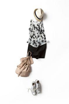 Kyoko Kikuchi's Closet | 街で着るリゾートムード のモノトーン