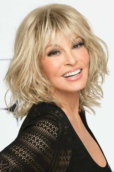 Stop Traffic by Raquel Welch Wigs - Monofilament Crown Wig Medium Bob Hairstyles, Hairstyles Over 50, Vintage Hairstyles, Wig Hairstyles, Razor Cut Hairstyles, Short Hair Wigs, Wigs With Bangs, Medium Hair Styles, Curly Hair Styles