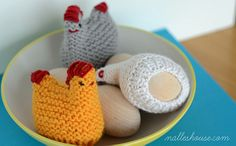 Nalle's House: HAPPY EASTER & FUNNY CHICKENS