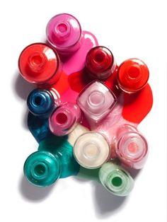 Nagellack selbst machen: Das ist ganz einfach. Mit nur 4 Zutaten können Sie sich Ihren ganz individuellen Nagellack selbst machen.