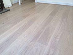 Fascinating white oak dove flooring to refresh your home White Washed Floors, White Wood Floors, Maple Floors, White Oak Wood, Types Of Hardwood Floors, Refinishing Hardwood Floors, Floor Refinishing, Engineered Oak Flooring, Timber Flooring