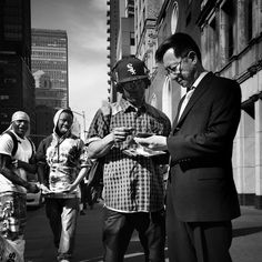 #nyc #nycphotography #newyork #brooklyn #ny #biancoenero #blackandwhitephotography #blackandwhite #streetphotography #streetphoto  #bnw #igersbnw #instany #ny_focus_on