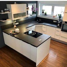 Most Noticeable Awesome Kitchen Window Design 1 - homevignette Kitchen Room Design, Kitchen Sets, Home Decor Kitchen, Kitchen Furniture, Modern Kitchen Interiors, Window Design, Cool Kitchens, Sweet Home, Awesome Kitchen