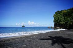 Plage réputée pour son sable noir # Martinique